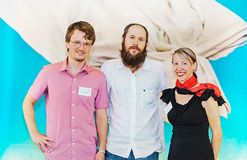 Eric Malmi, Veli-Matti Karhulahti ja Vilja Siitonen voittivat Falling Walls Lab Turku -karsinnan. Kuva: Otto Väätäinen.