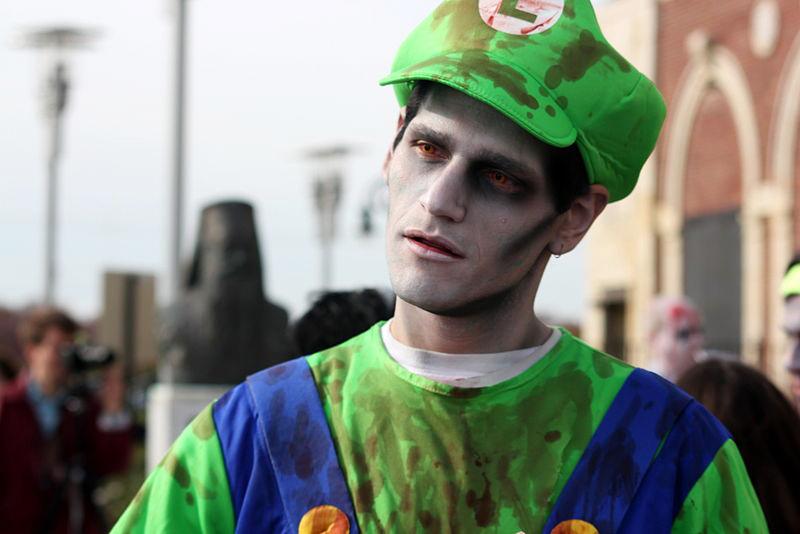 Asburyn zombiewalk 30.10.2010. Hypnotica Studios Infinite, Wikimedia Commons.