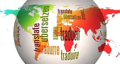Maapallo, jonka päälle kirjoitettu eri kielillä san Käännä.