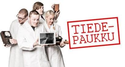 Tiedepaukku -videoiden kuva, jossa tiedepaukun esiintyjät Einari Kurvinen, Jaakko Lamminpää, Veli-Matti Vesterinen ja Linda Blomqvist.