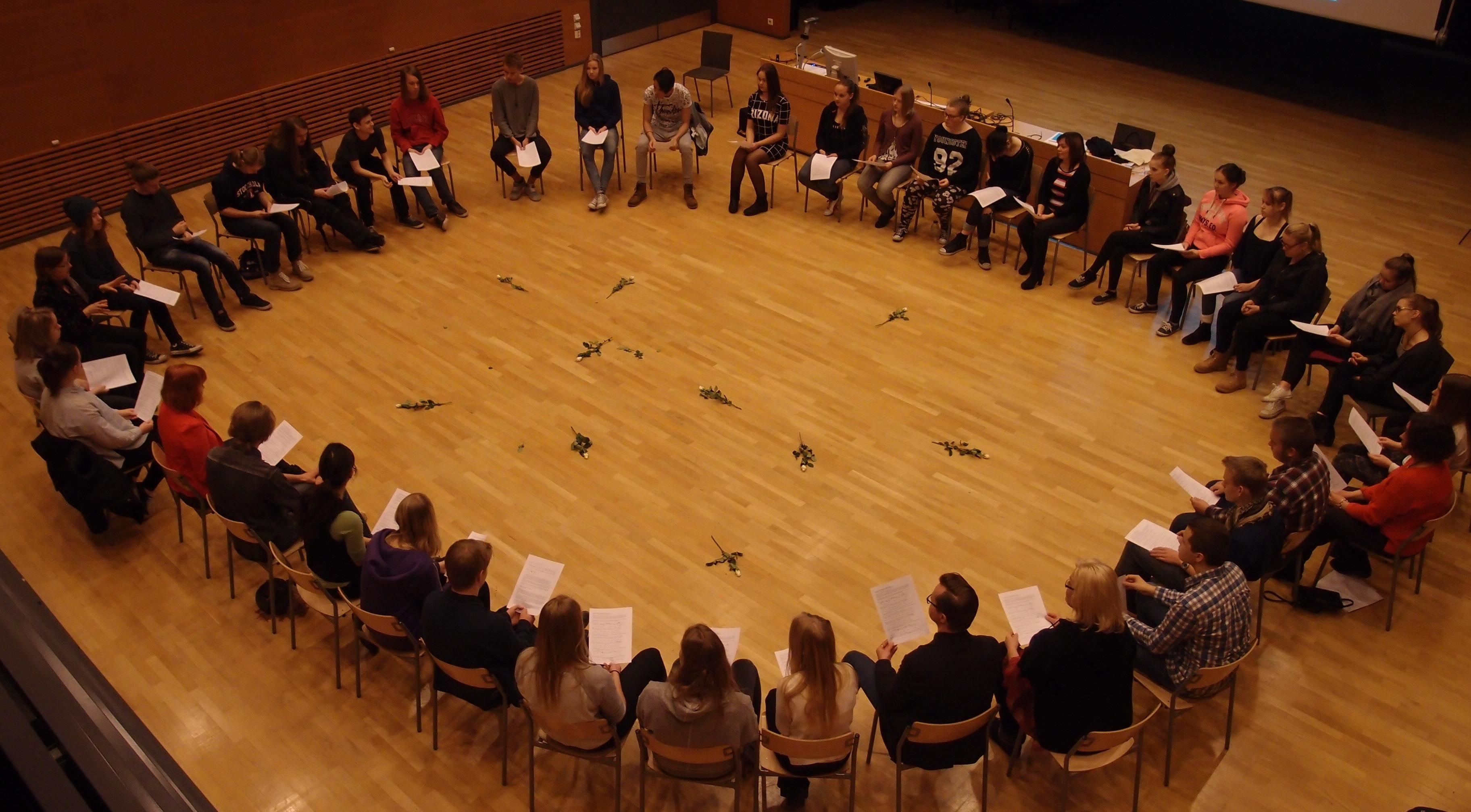 Laulupaja Järvenpään lukiossa 11. marraskuuta 2015
